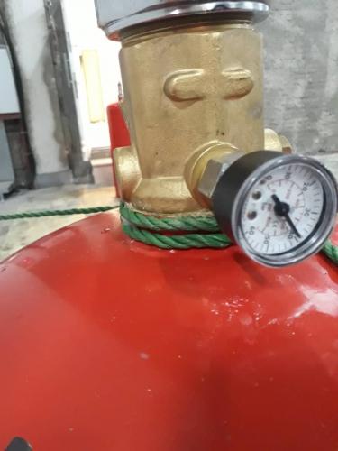 نمونه سیلندر تغلبی پر شده با پودر به جای گاز fm200
